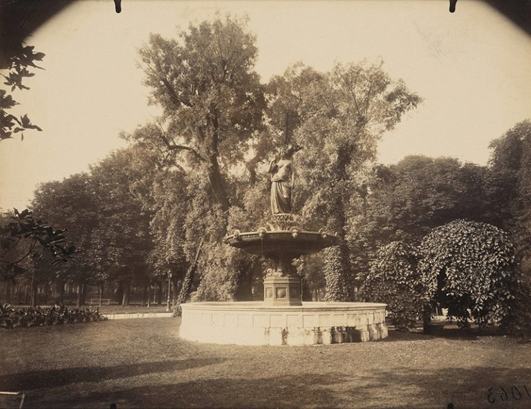 Eugene Atget, Fontaine Champs Elyees